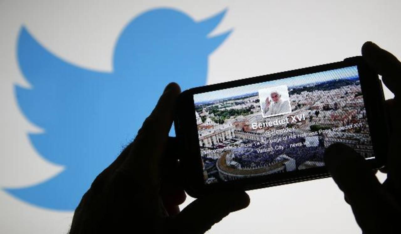La red social fue demandada por una organización judía por permitir tuits racistas.