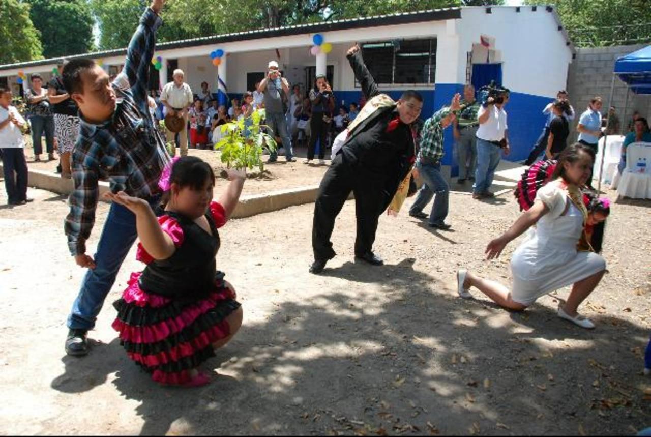 La Escuela se encuentra frente a la Unidad Médica del Seguro Social en San Miguel. foto edh / LUCINDA QUINTANILLA