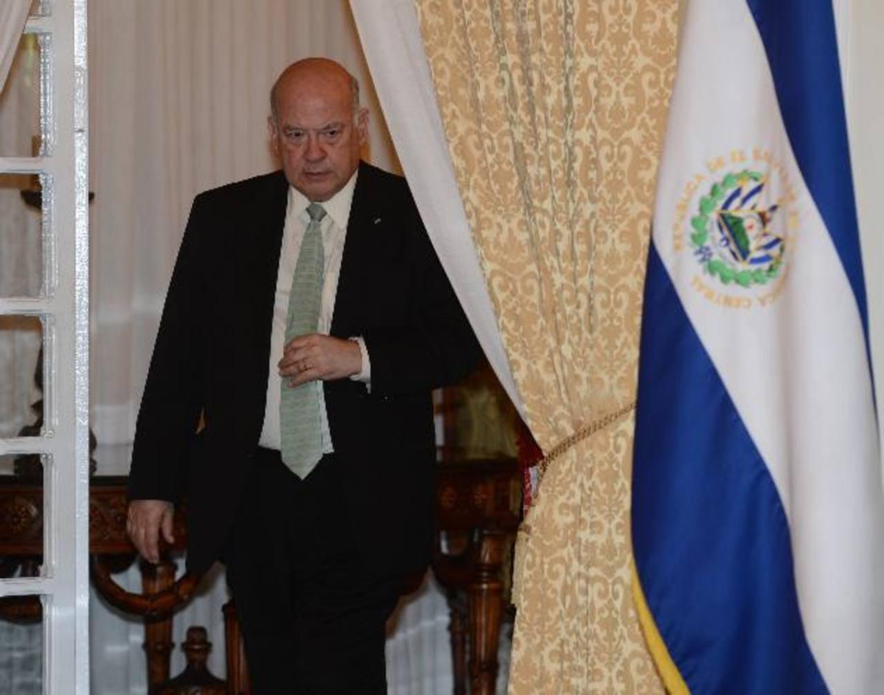 José Miguel Insulza brindó ayer una corta conferencia en Casa Presidencial. Foto EDH / douglas urquilla