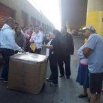 Algunos salvadoreños han tenido que pagar más dinero del que les costó el envío para poder dar con el paraderos de esas mercancías.