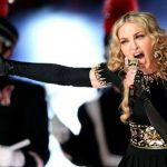 Oro, flores, yoga y acupuntura, las excentricidades de Madonna en México
