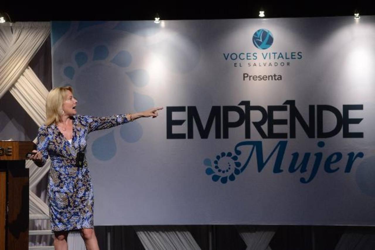 Susan Clancy en el foro Emprende Mujer, organizado por Voces Vitales. foto edh/ miguel villalta