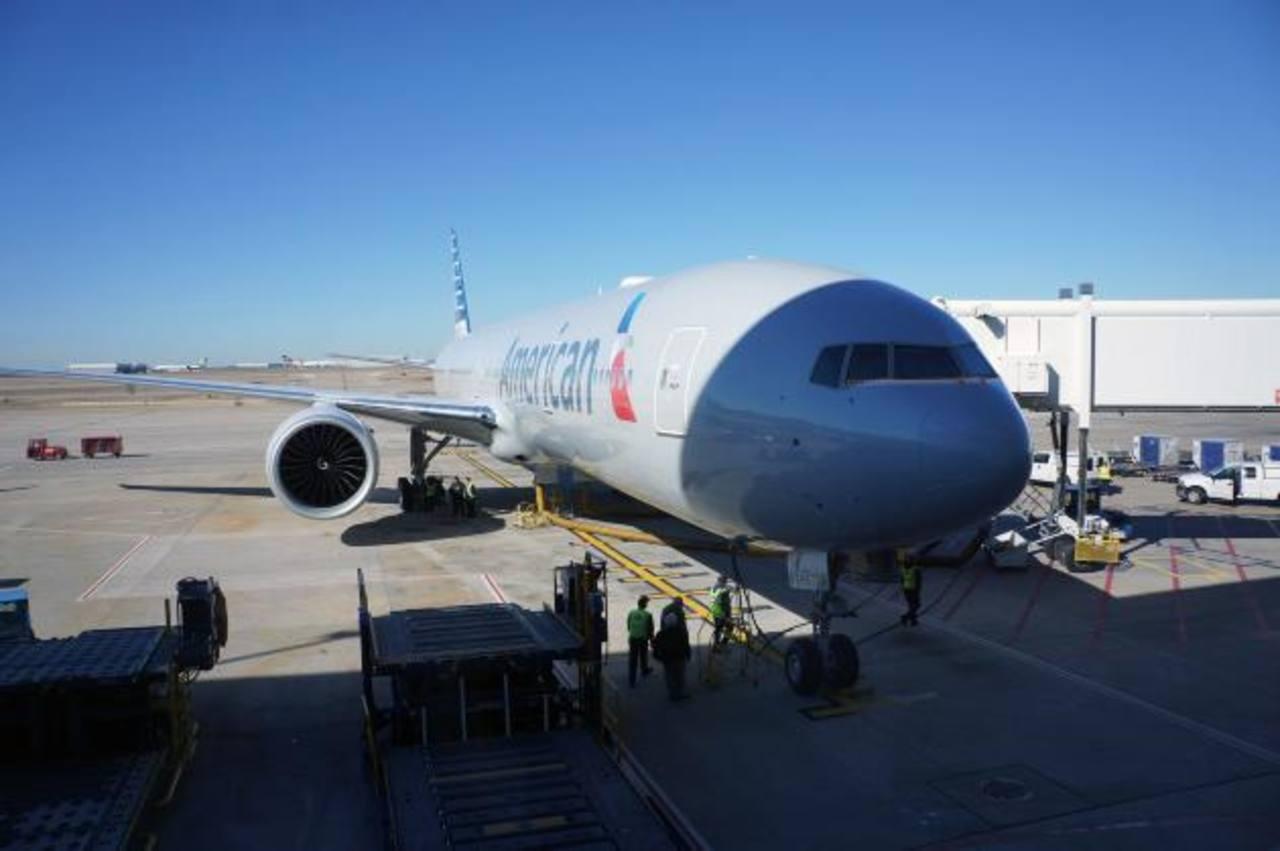 La matriz de American Airlines, AMR Corp, y US Airways planean defender con fuerza la fusión, que dicen crearía un tercer competidor mundial a Delta Air Lines y United Continental.