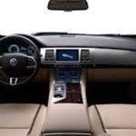 Los nuevos modelos de Jaguar lo pondrán en competencia directa con las automotrices alemanas BMW y Mercedes-Benz, que dominan el mercado de los vehículos básicos de lujo.