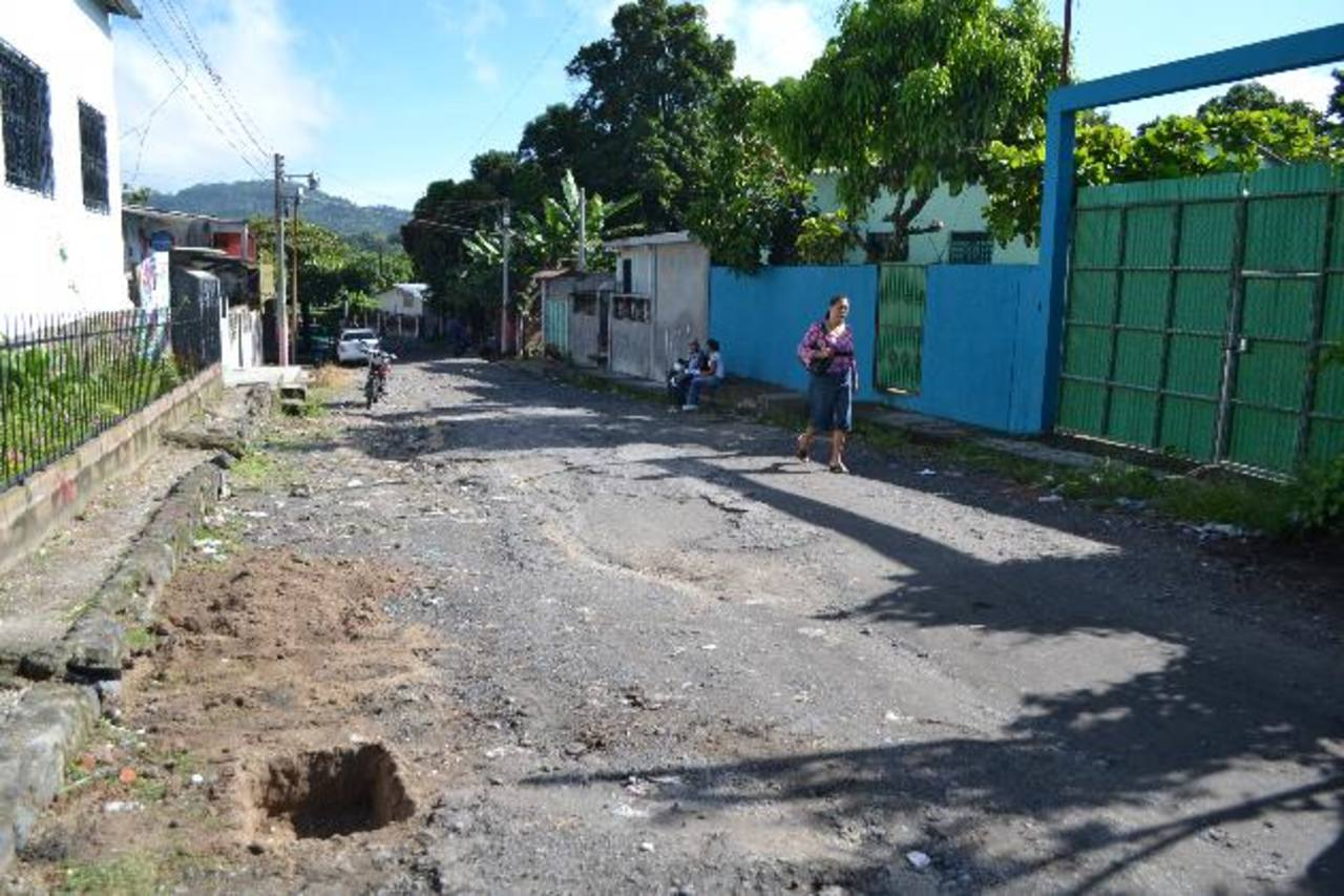 El edil Manuel Rivera, prevé invertir más de un millón de dólares en el arreglo de calles. foto edh / CORTESÍA