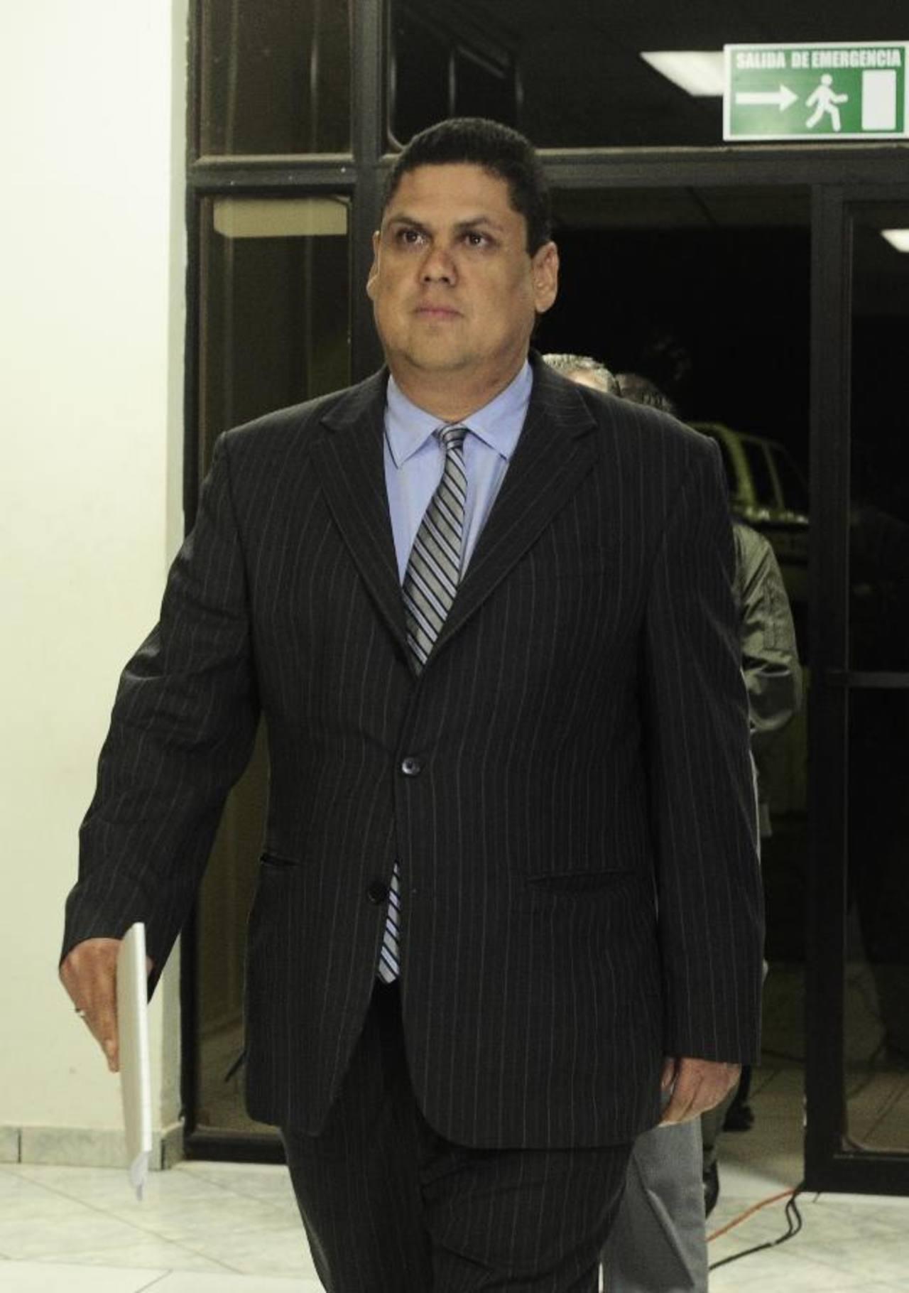 Carlos Méndez Cabezas, presidente de la Fesfut, siguió el mismo patrón de los jugadores y habló para un medio foráneo.