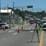 Un vehículo particular y una ambulancia chocaron en el semáforo de la Gloria, Mejicanos. Foto vía Twitter Diana Escalante