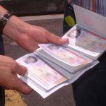 Varios sujetos han sido detenidos por ofrecer visas estadounidenses falsas. Foto EDH / Archivo