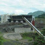 La planta asfáltica es parte de los activos que mantiene la firma italiana Astaldi en El Chaparral. FOTOS EDH / MARLON HERNÁNDEZ
