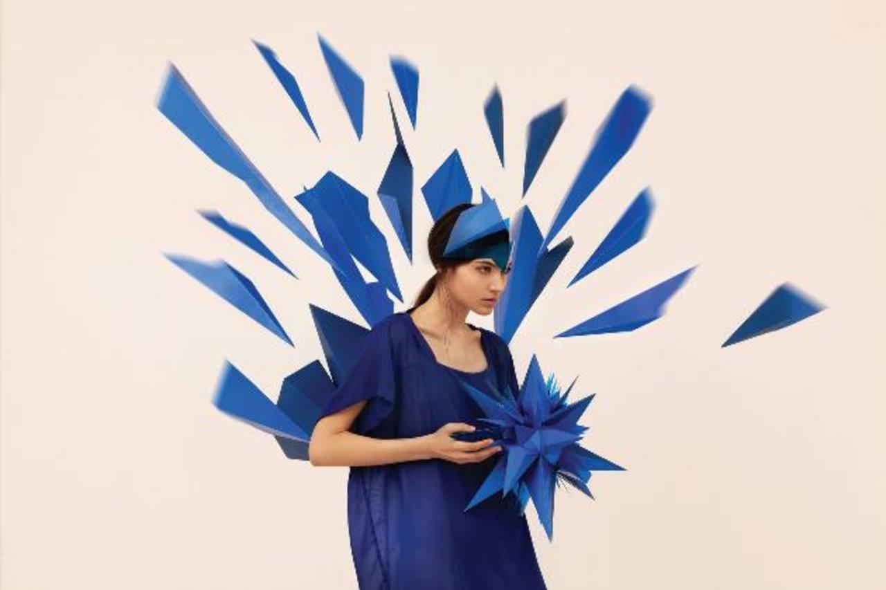 Artistas del papel y diseñadores han trabajado en la colección central. foto edh