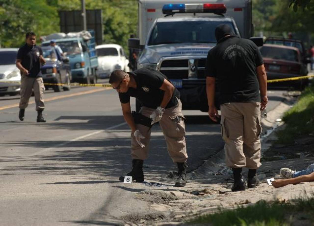 Pandilleros mataron a un cobrador y lesionaron a motorista en San Martín. Foto EDH / Leonardo González.
