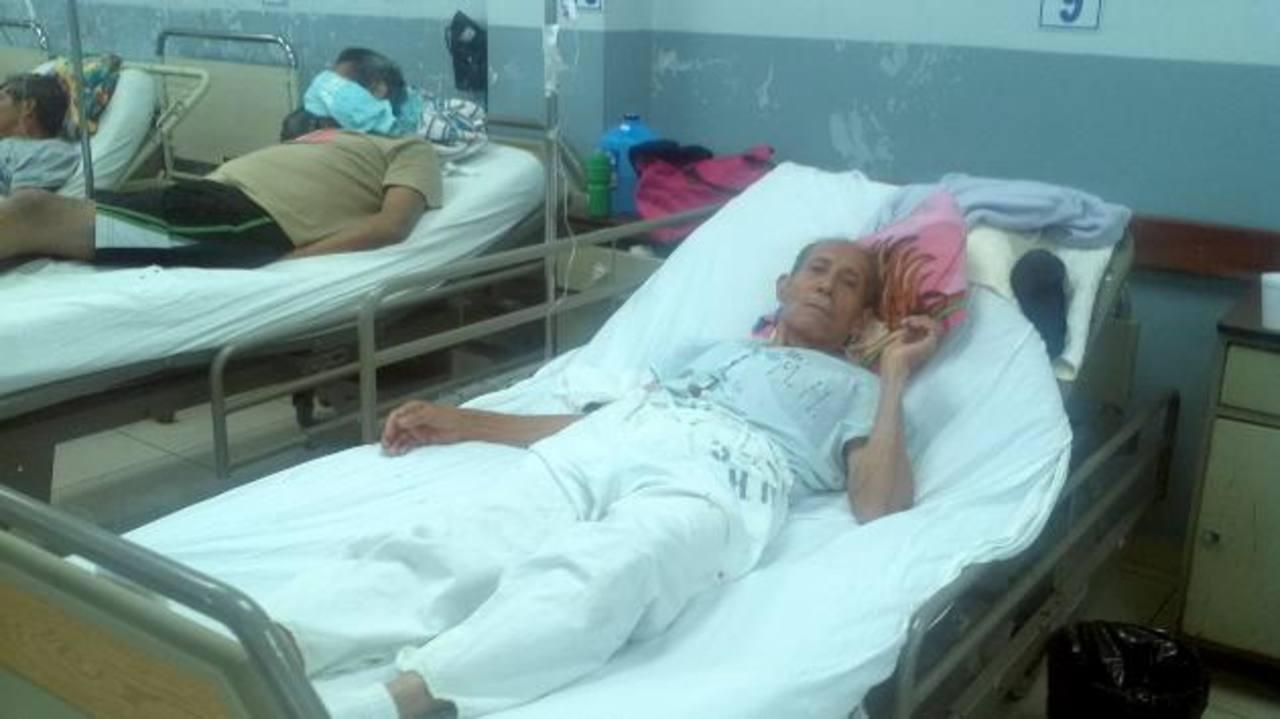 Pacientes del hospital nacional Rosales aún esperan que se les suministre tratamiento con el factor VIII. foto edh / archivo