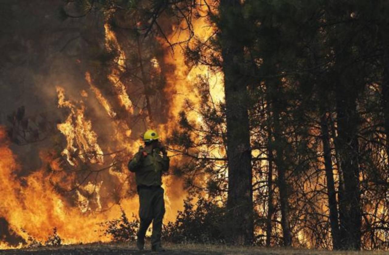 Incendio en Yosemite no da señales de ceder
