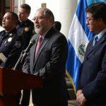 El ministro Ricardo Perdomo ofreció ayer una conferencia de prensa.