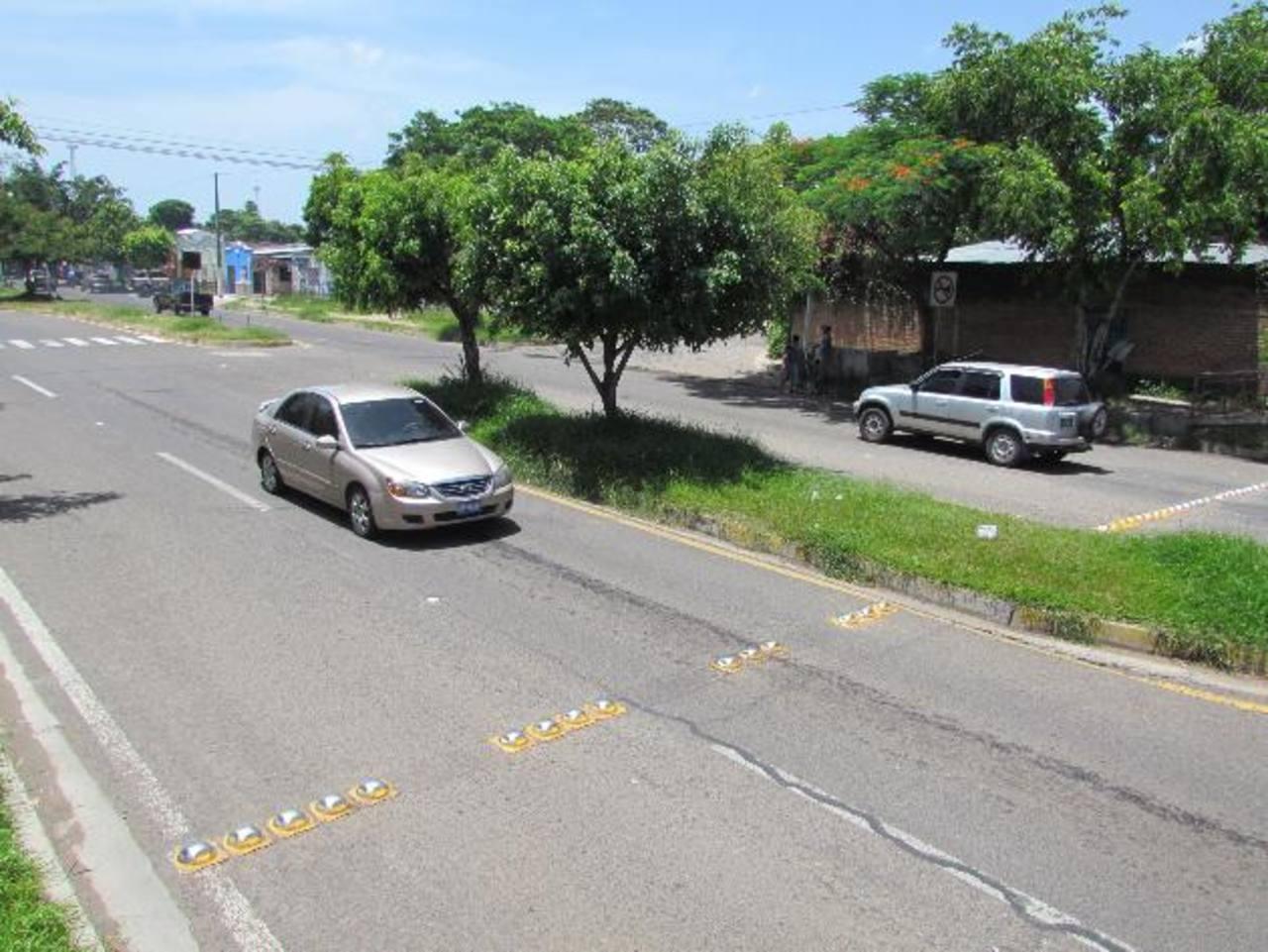 Los residentes creen que los motoristas son los culpables del hurto. Foto EDH / Mauricio Guevara