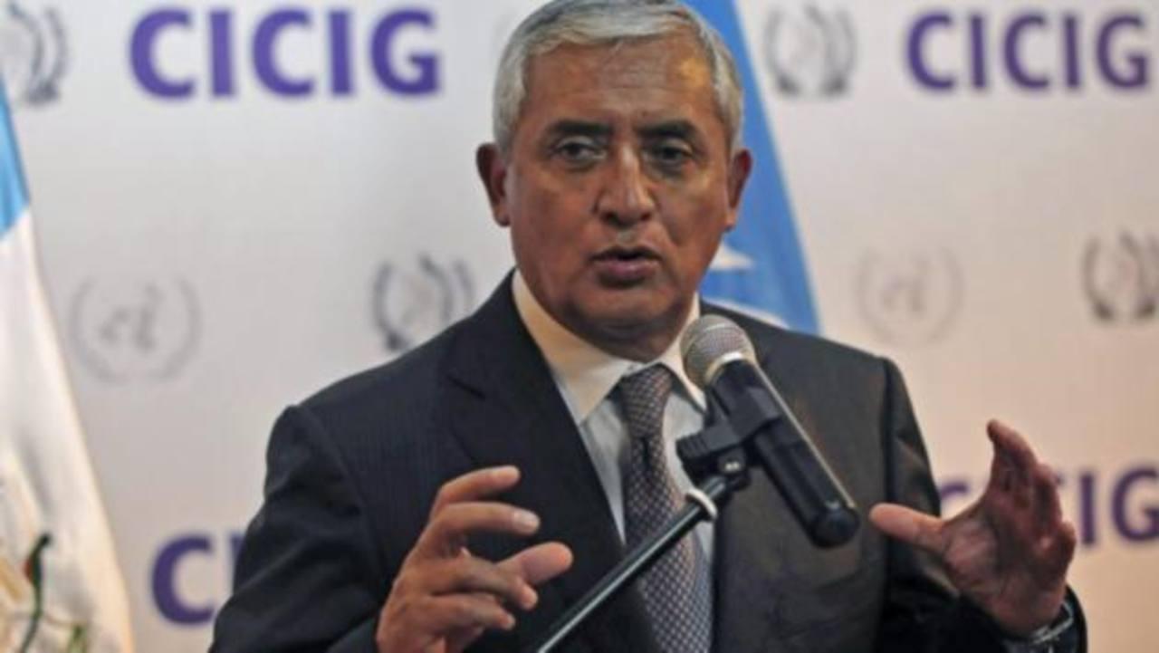 El presidente Otto Pérez plantea crear una instancia que proteja el trabajo y la vida de los informadores. foto edh / internet
