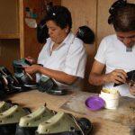 Los talleres artesanales de confección tampoco reciben pago a tiempo, y los pone al borde de la quiebra. foto edh /ARCHIVO