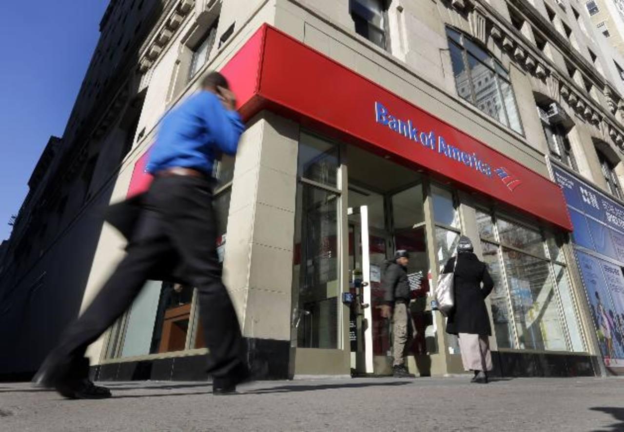 Los bancos de Estados Unidos tuvieron utilidades récord hasta el segundo trimestre del año. foto eDH /archivo