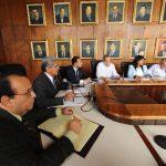 El jefe edilicio aún no ha definido a qué miembro de su concejo dejará sus funciones. Foto EDH