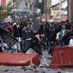 Presidente Santos ordena militarizar Bogotá después de violentos disturbios