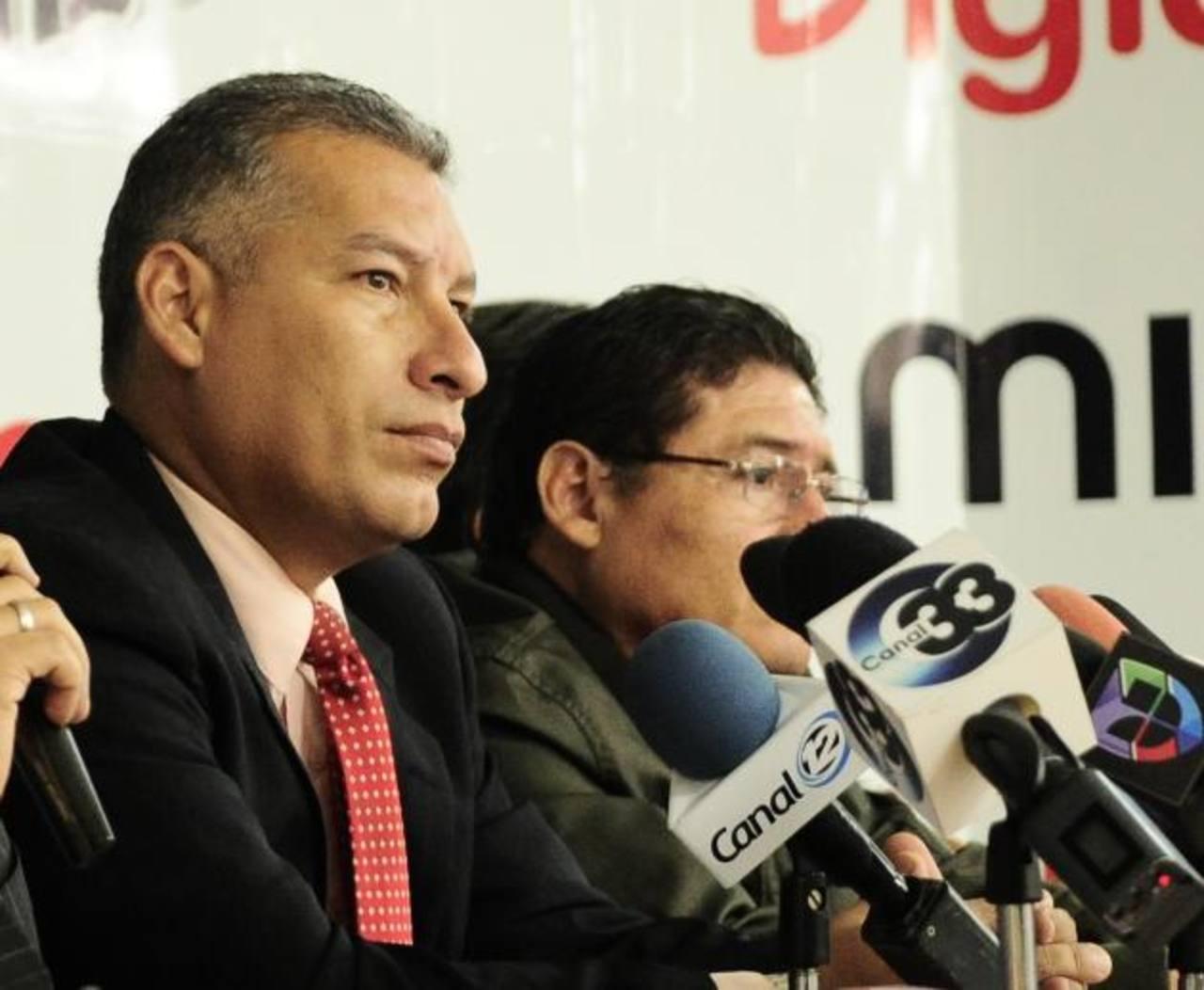 Rafael Calderón, del Comité Ejecutivo de la Fesfut, advirtió que las investigaciones siguen. Foto EDH / Jorge Reyes.