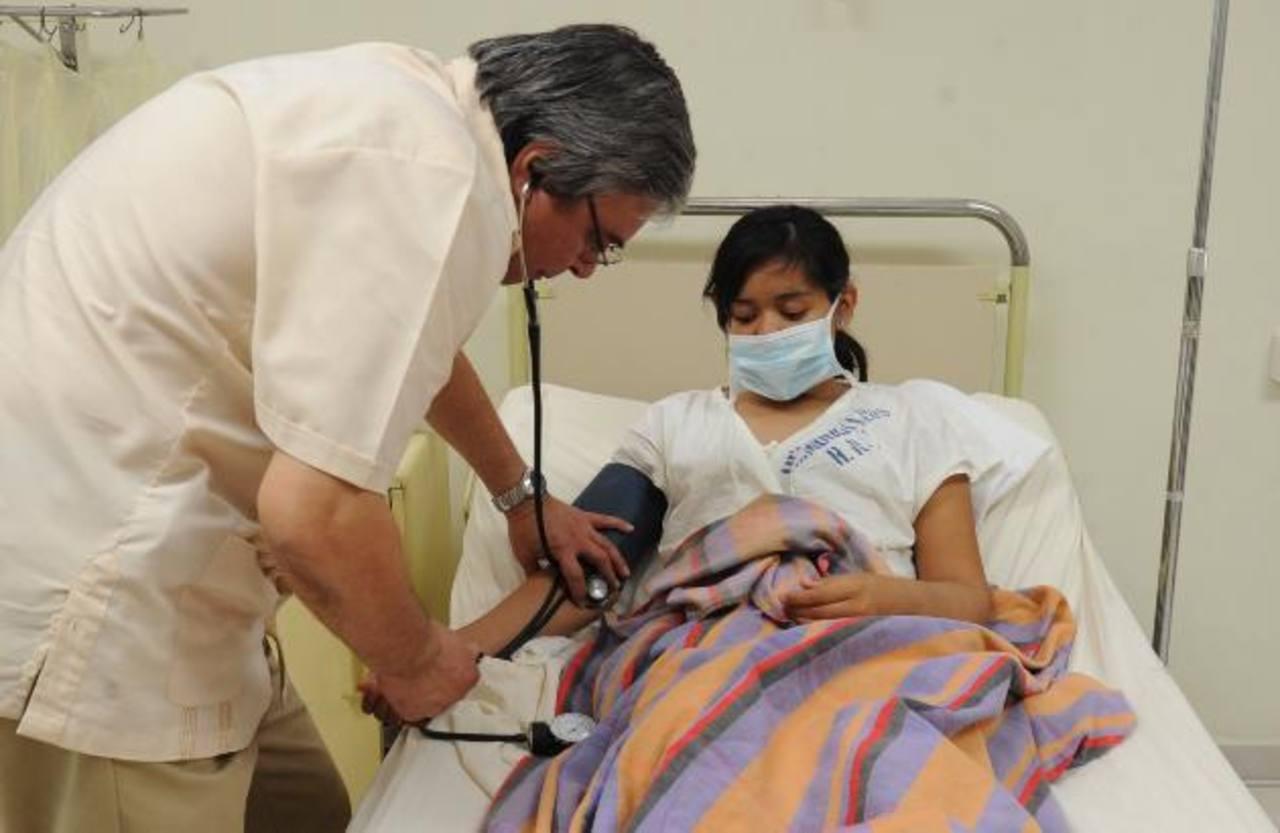 En el hospital nacional Rosales casi el 90 % de los pacientes con ERC se encuentra en fase cinco, es decir en la etapa terminal. FOTOS EDH / LISSETTE MONTERROSA.