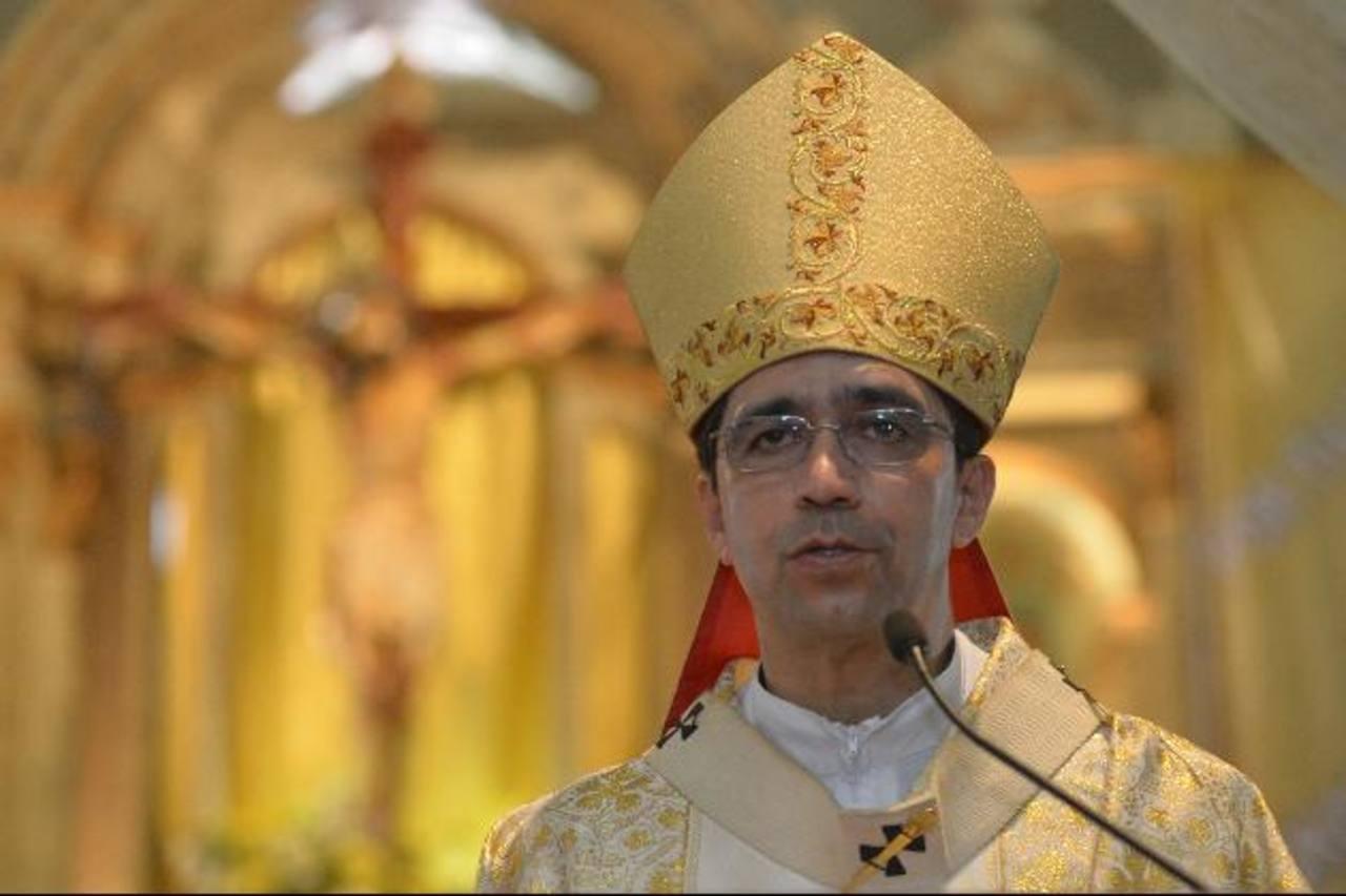 El arzobispo metropolitano, monseñor José Luis Escobar Alas, dijo ayer que la Iglesia Católica salvadoreña no está apoyando la tregua entre pandillas, como habría dicho monseñor Fabio Colindres, Obispo de los Militares y la Policía. foto edh