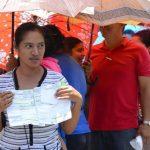 Economía aseguró que no tiene la culpa del inconveniente que tuvieron ayer cientos de ciudadanos para cobrar el subsidio.