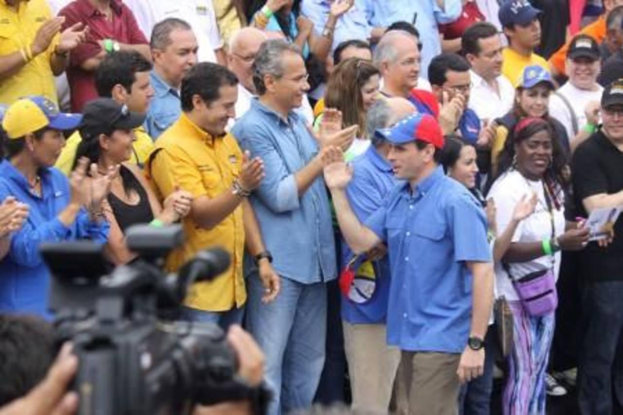 Henrique Capriles, jefe de la campaña municipal de la oposición, durante un mitin el pasado sábado. foto edh / Internet