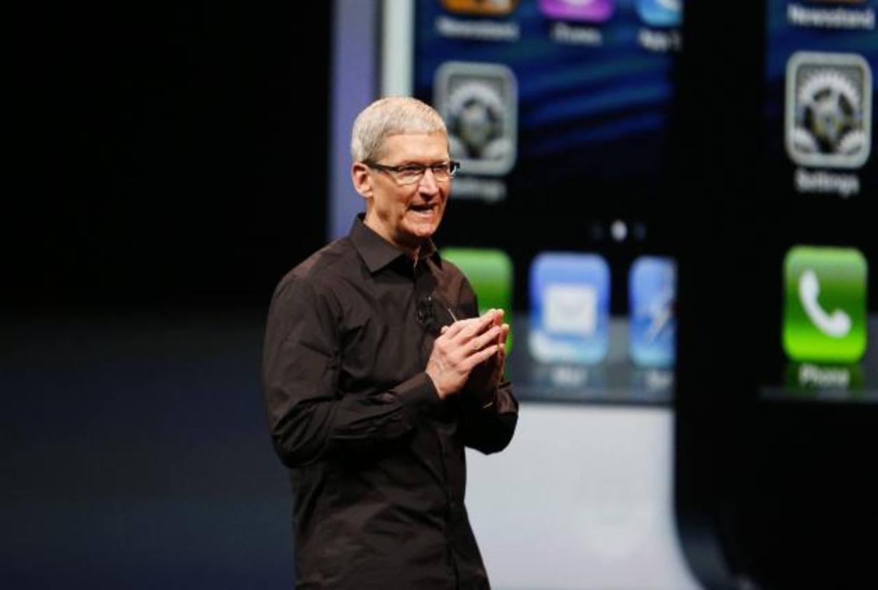 Tim Cook, CEO de Apple, durante la presentación de iPhone 5. La nueva versión del dispositivo será lanzada en septiembre. Foto EDH