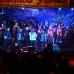 Los asistentes disfrutaron del espectáculo de la internacional Orquesta de los Hermanos Flores. Una celebración que duró hasta las 2:00 de la mañana. foto EDH / Marvin recinos