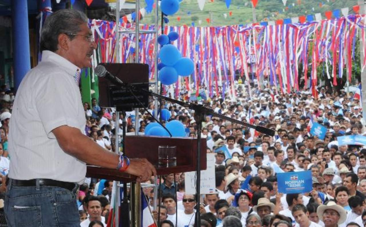 Simpatizantes de la zona paracentral del país celebraron ayer un mitin en San Vicente.