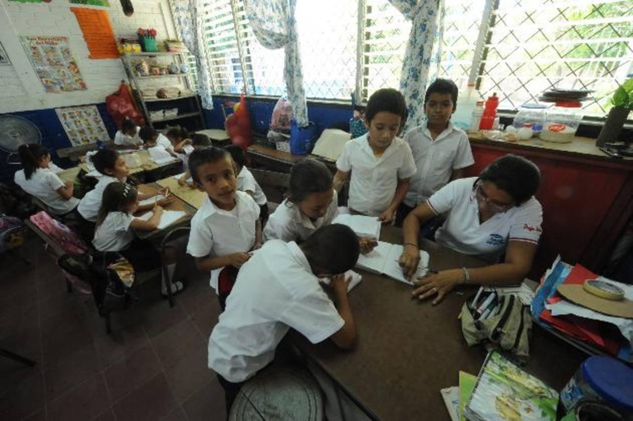 Mientras los titulares de Educación mantienen como prioridad el tema de la Educación de Tiempo Pleno, los directores de escuelas piden los presupuestos a tiempo. Foto EDH / archivo