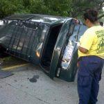 Cuatro personas lesionadas en accidente vial en kilómetro 32 de la Autopista a Comalapa. Foto vía Twitter Lilibeth Sánchez