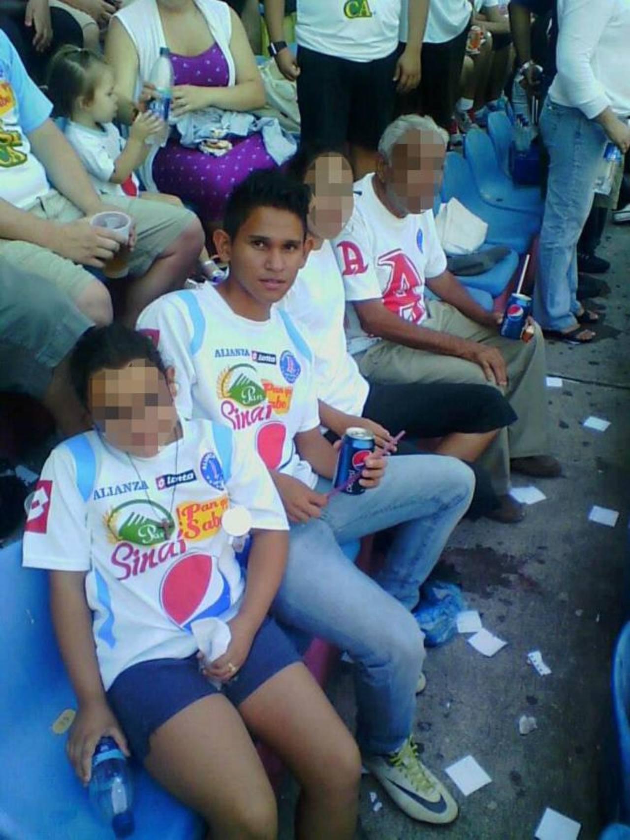 José Alfaro cumplió 15 años en abril pasado, según su padre.