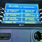 Los cajeros automáticos son uno d e los principales productos financieros de la banca electrónica en el país. foto edh / archivo