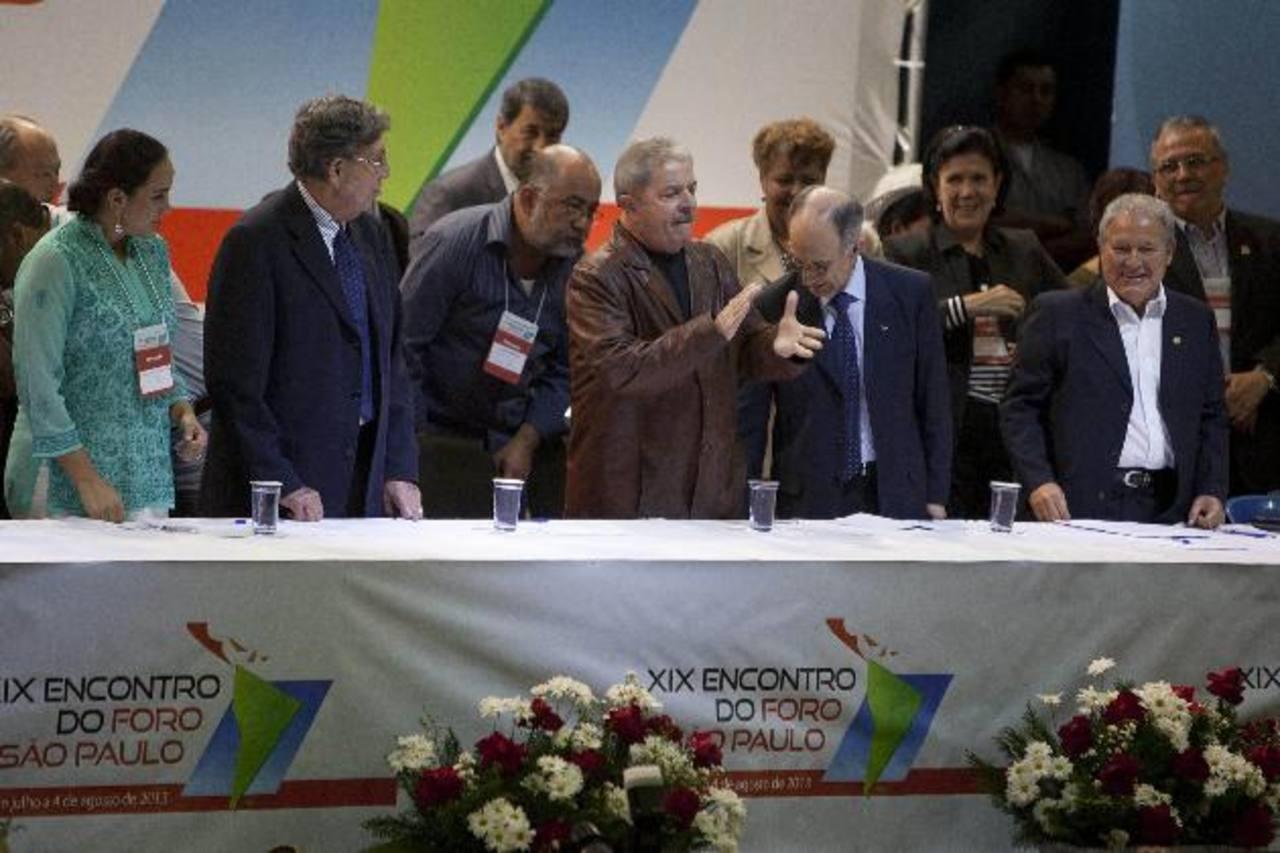 El cónclave de partidos de izquierda continuó ayer con distintas ponencias. Foto EDH/ efe
