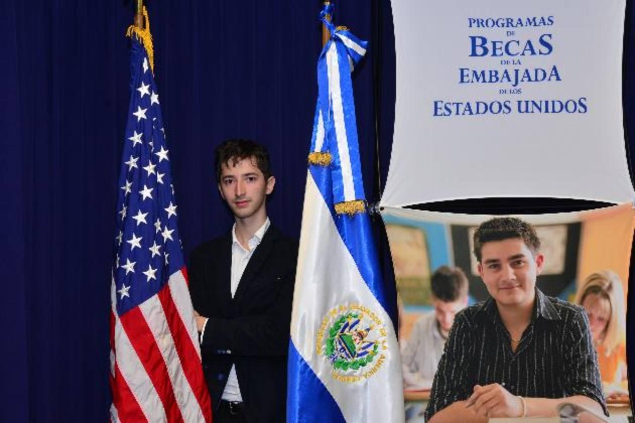 Ricardo Francisco Colomé Altamirano, originario de la capital, es el joven con el cual la Embajada de Estados Unidos, en coordinación con empresas y centros de enseñanza superior, abre un programa piloto de becas. Fotos EDH / omar Carbonero.