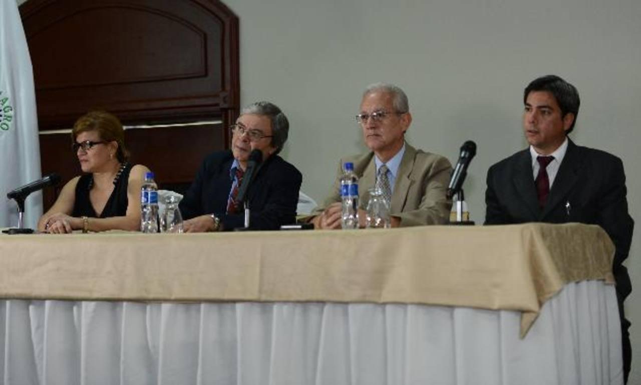 Miembros de la Asociación Nacional de Nefrología señalan necesidad de programas de detección. FOTO EDH / Mauricio Cáceres