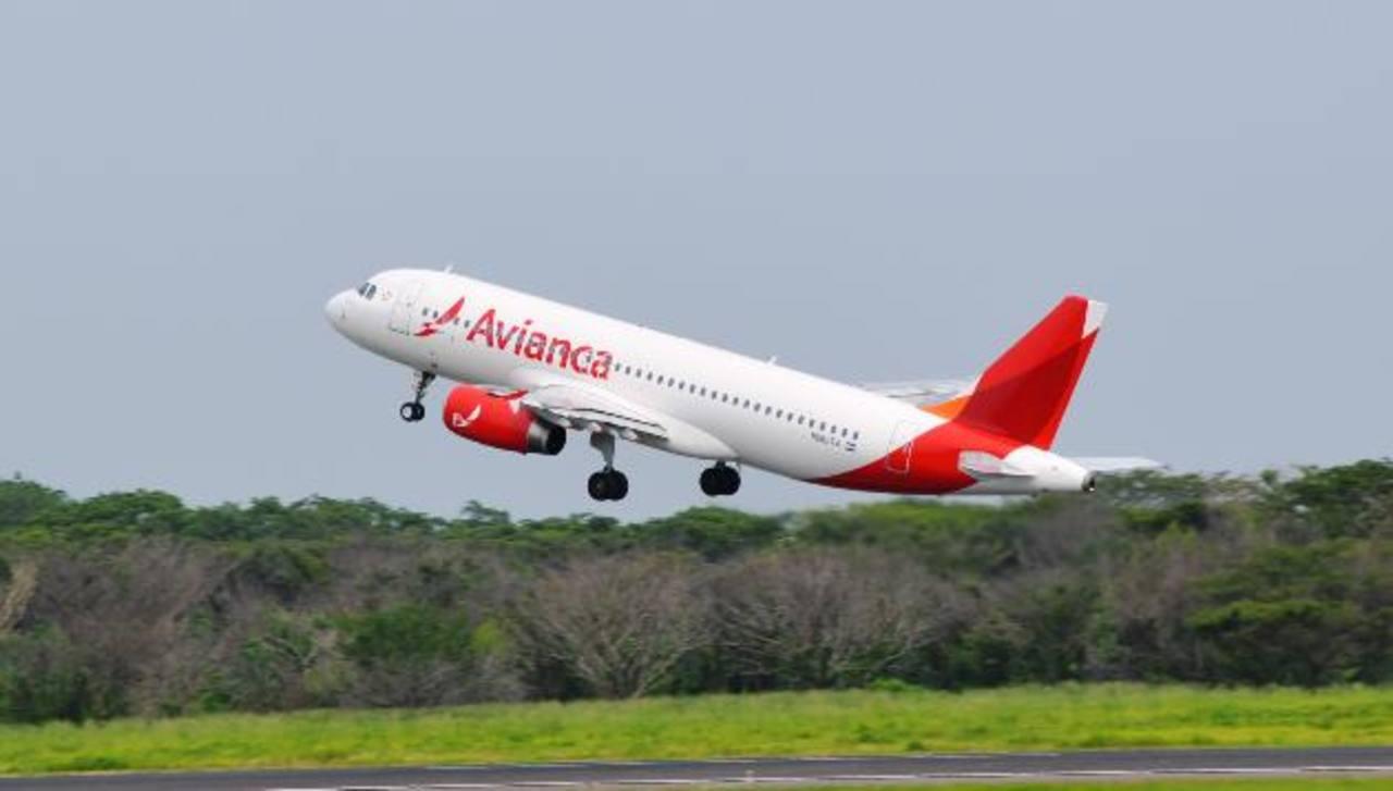 Avianca Holdings movilizaron 2,2 millones de pasajeros a sus diversos destinos en el mes de julio. foto edh / archivo