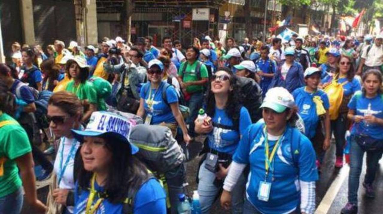Peregrinos salvadoreños participaron en la Jornada Mundial de la Juventud en Brasil. Foto/ Archivo