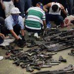 Las pandillas han entregado 482 armas de fuego, entre largas y cortas, en eventos realizados en sitios públicos. Foto EDH / Archivo