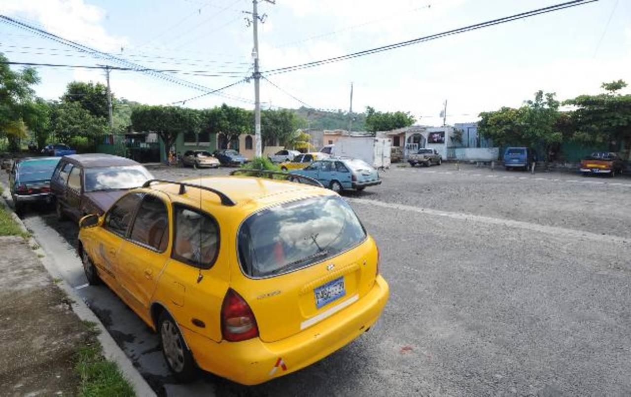 Los autos en Cimas de San Bartolo y la urbanización Altavista están en la mira de la delincuencia. Foto EDH / Claudia Castillo