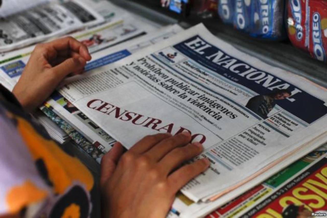 Primera plana de El Nacional anunciando que el gobierno había prohibido la publicación de fotos y noticias sobre la violencia el 18 de agosto de 2010. Foto EDH / internet