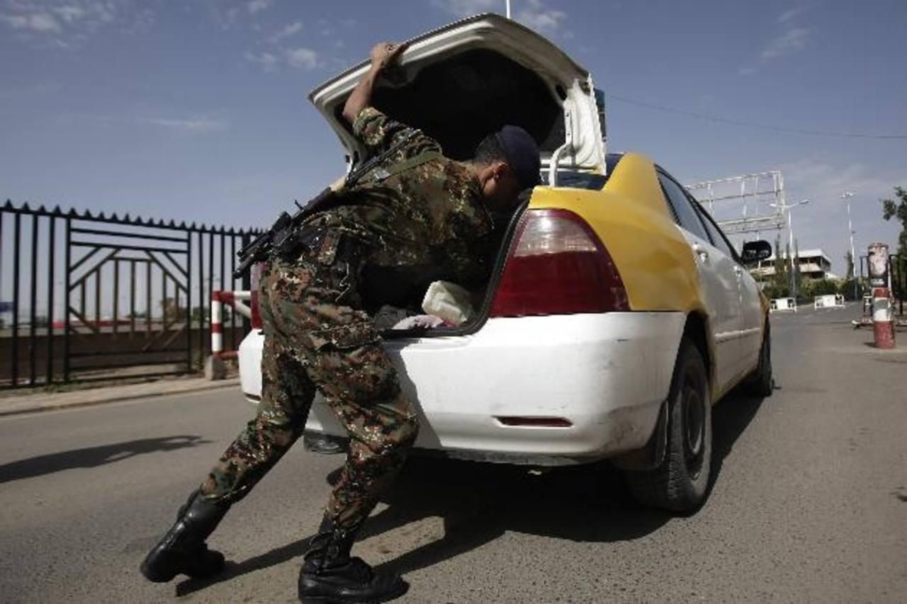 Las autoridades aumentaron los controles en las calles de la ciudad de Saná.