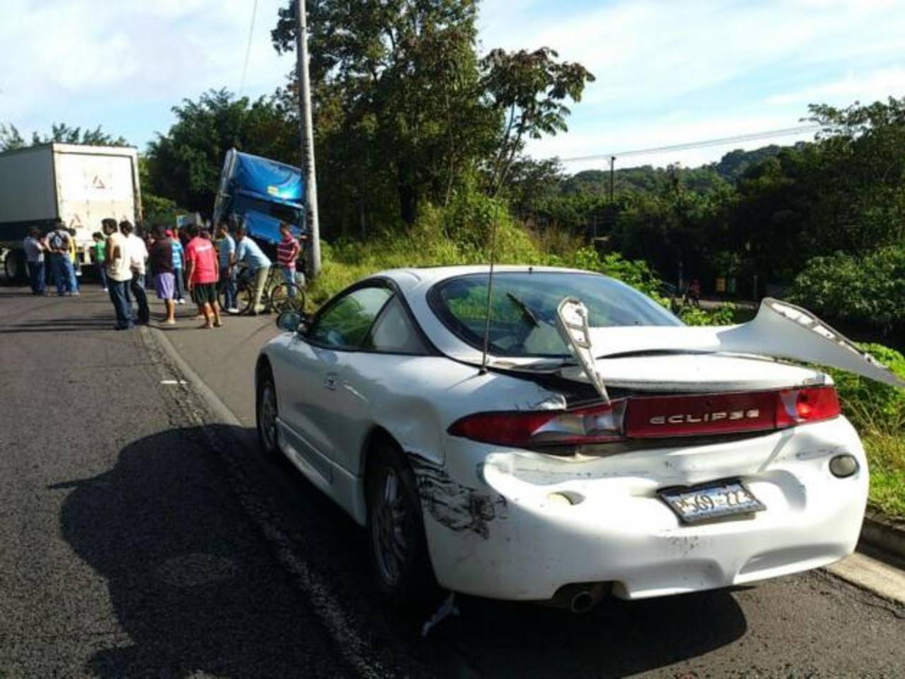 Lugar del accidente múltiple. Foto EDH Claudia Castillo
