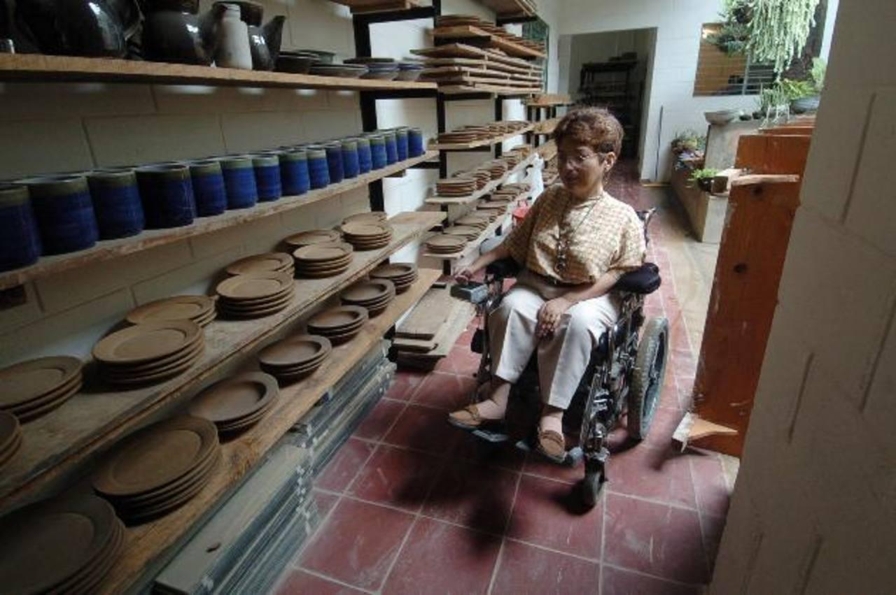 El taller de cerámica Shicali, que empleó a personas con discapacidades, fue una de las mayores fuentes de orgullo para Eileen Girón, cuya vocación fueron las artes plásticas. Foto EDH / archivo