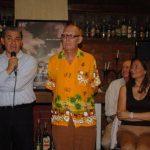 Alecus (con micrófono) ha sido uno de los expositores que ha estado en La Ventana. Paolo Lüers al centro. Foto EDH / ARCHIVO
