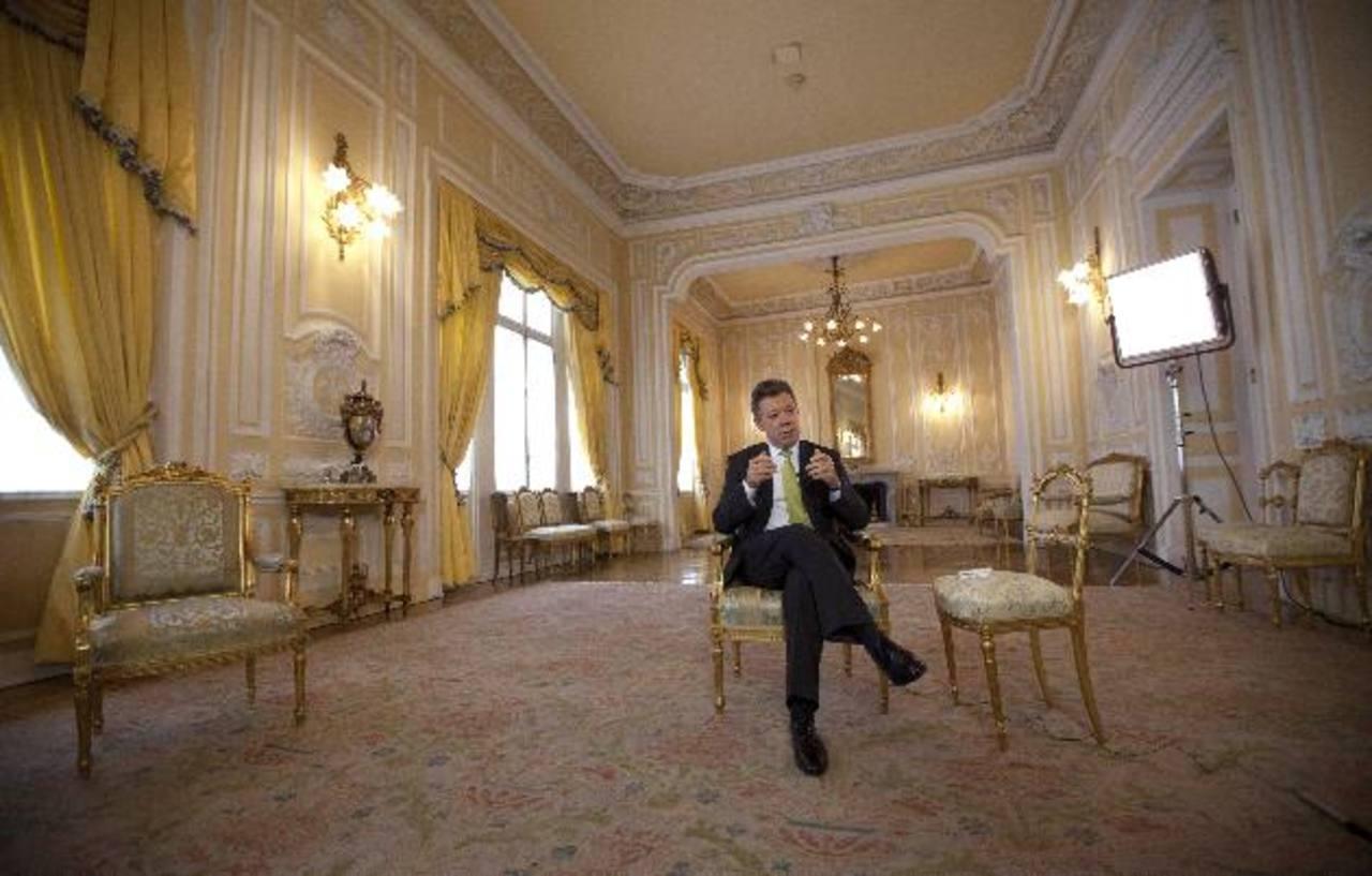 El presidente de Colombia Juan Manuel Santos durante una entrevista. Foto/ AP