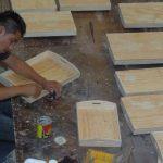 Con los fondos, la Fundación beneficiará a jóvenes con talleres de artesanías en San Salvador.